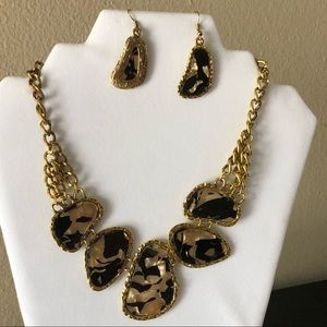 NEW Medallion necklace earring animal print gold